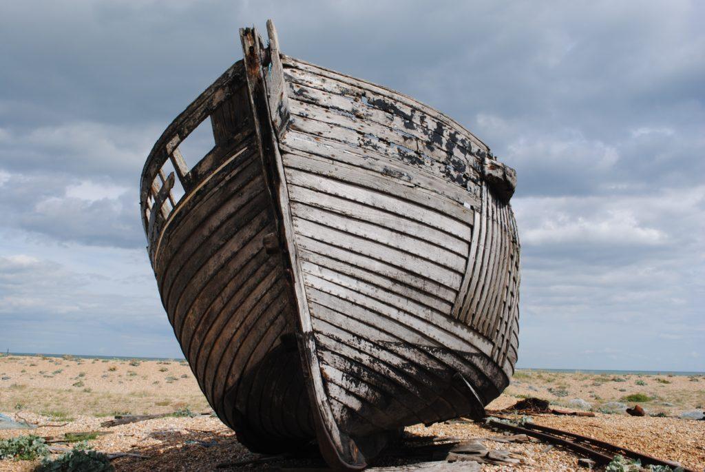 """Dal """"naufragio"""" della superlega al naufragio dei migranti"""